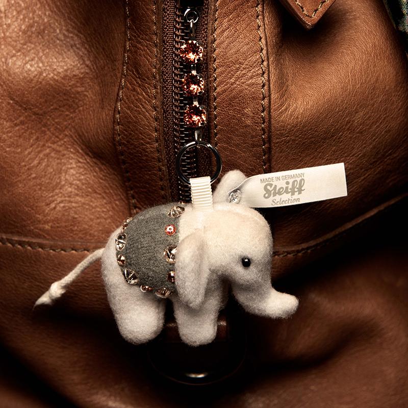 德国Steiff毛绒玩具挂件钥匙链小象浅灰色 5cm 4001505034350