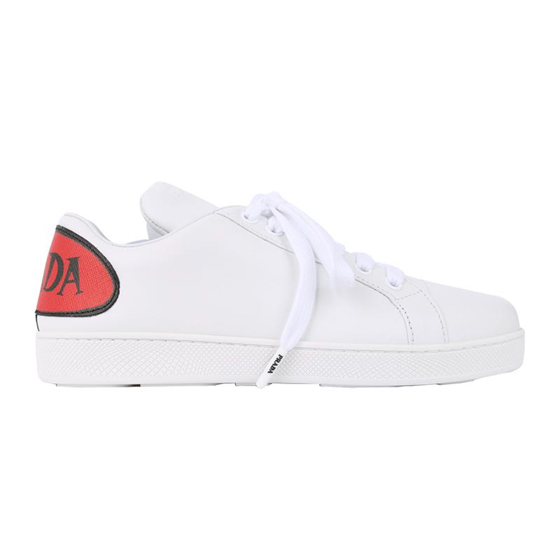PRADA/普拉达 女士白色小牛皮后饰有红色黑字LOG印花标志系带运动鞋