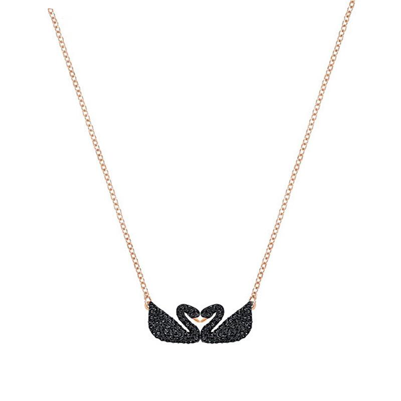 Swarovski/施华洛世奇 Iconic Swan Double 镀玫瑰金色女士黑双天鹅项链 5296468
