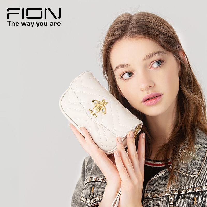 Fion/菲安妮经典菱格纹真皮女包链条斜跨小方包 3色可选