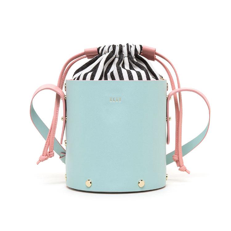 ELLE时尚拼贴设计、抽绳单肩斜挎水桶包90160